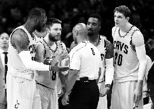 NBA总决赛多处漏判争议判罚密集 嫩哨资历尚浅 图图片 58534 300x213