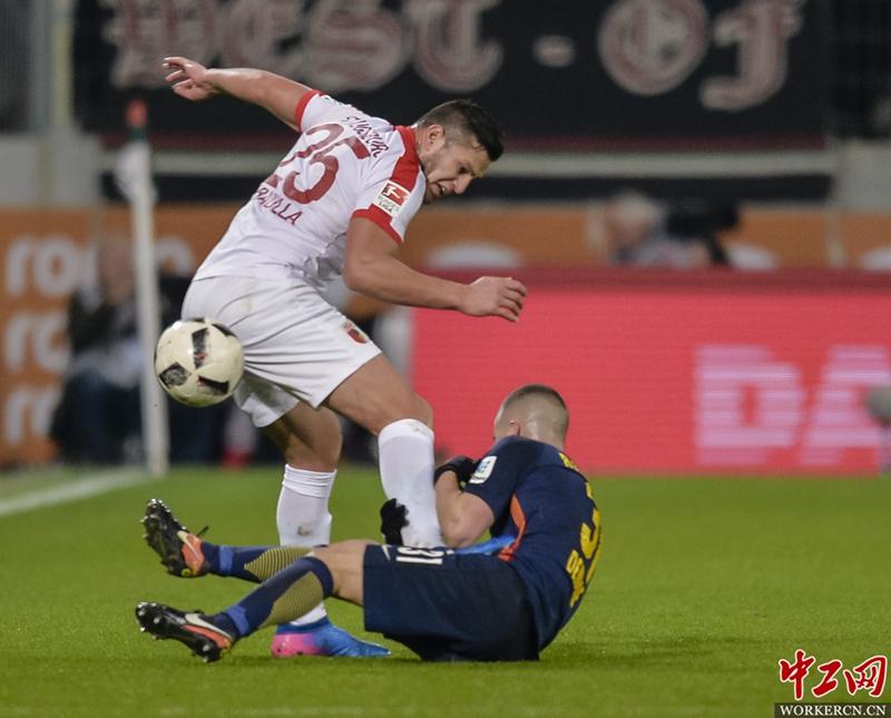 德甲第23轮:奥格斯堡2-2莱比锡红牛(高清组图