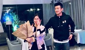 """諶龍向王適嫻求婚成功,國羽球員為何總能""""內部解決"""""""