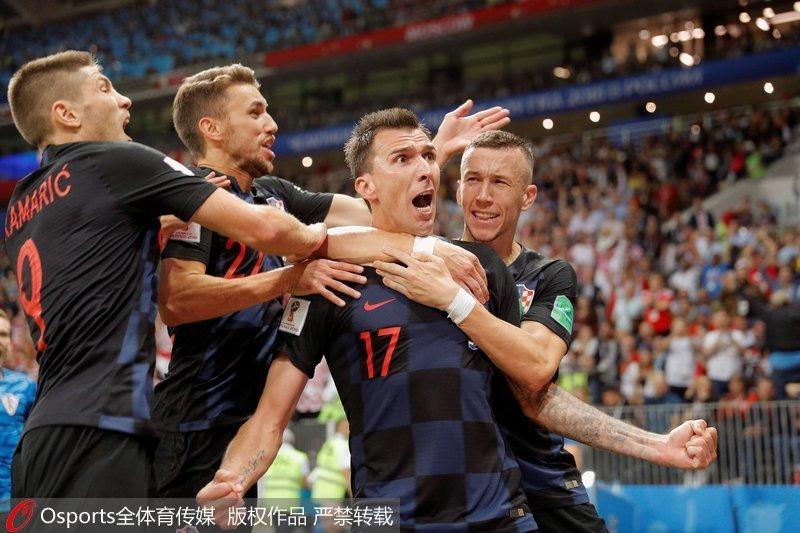 克羅地亞隊慶祝勝利